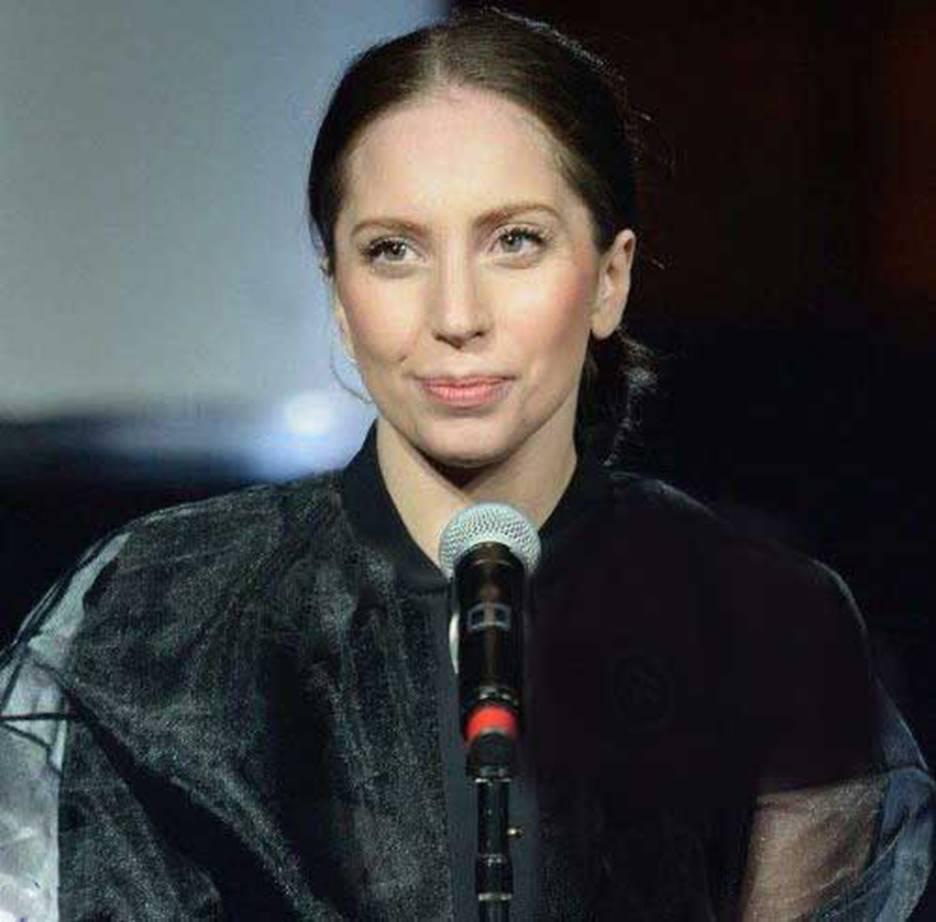 seeing lady gaga without makeup is like looking at a different